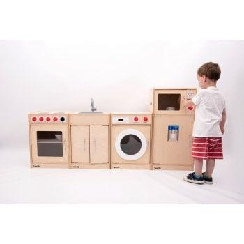 5 Feature Wood Kitchen*